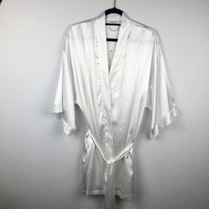 VICTORIA'S SECRET White Bride Satin Robe Women's O